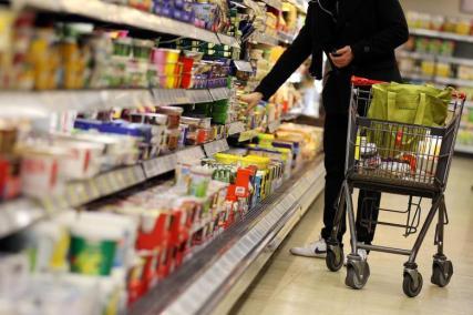 Kuehlregal-im-Supermarkt