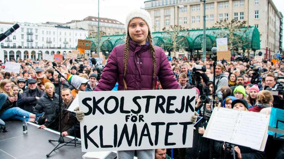 270687395-klimaaktivistin-greta-thunberg-in-hamburg-RRN9xq2g2ef